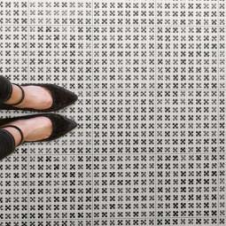 VODEVIL PAIX SOMBRA MOTIF NOIR ET BLANC FEUTRÉ Carrelage aspect carreaux de ciment