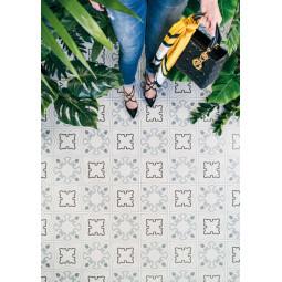 ALAMEDA BUCARELI CIELO  Carrelage aspect carreaux de ciment motif fleur.